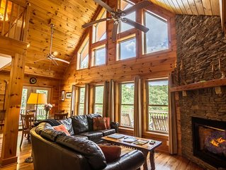 Balloon Landing - Rustic Cabin with Hot Tub - Bumper Pool Table - on 16 acres!