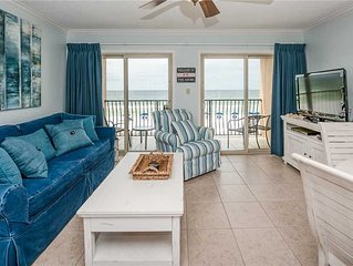 Quaint 3 story building, right on the BEACH! 19- Coral Reef Club