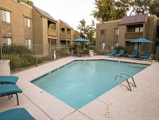 *SANITIZED* FLASH SALE Traditional Touch Cozy 1 BR Condo/ COM Pool/ Jacuzzi/ Sco