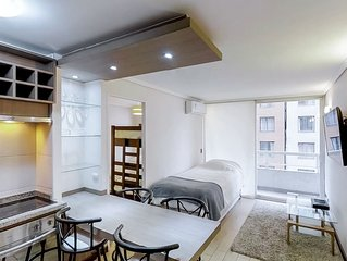 Depto. amplio con servicios compartidos - Large apartment with shared amenities