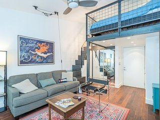 Walk Everywhere In Town From This Charming, Convenient Remodeled Studio Loft.