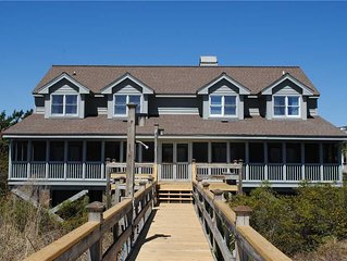 Princess And Pirates Cottage: 5 BR / 5.5 BA house in Pawleys Island, Sleeps 16