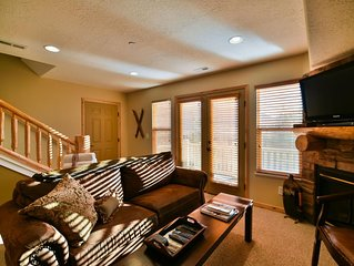 Beautiful Moose Hollow Condo with Views and free WiFi