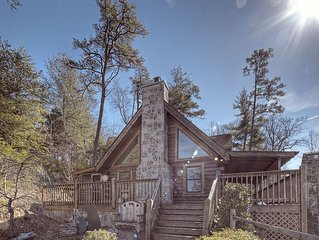 ER239- Sleepy Bear  Great Location – Close to town!