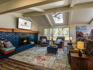 Beautiful Modern Home, Gas Fireplace, Bikes, Ping Pong, Hot Tub, BBQ - QUAR02