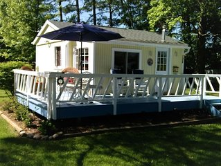 Cozy Little Star Cottage with Lake Huron view
