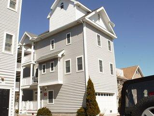Beautiful Single Family Home, Professional Decor., 1 Block to Beach & Boardwalk