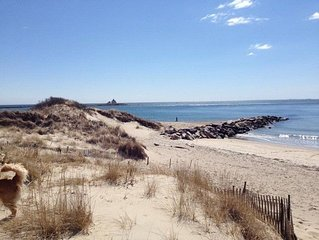 Very Nice Cottage 3 BR and 2 Bath walk to Watch Hill Beach