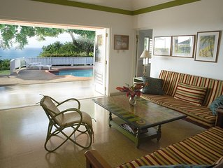 Miss P's Place Beautiful Villa with Ocean View, Short walk to beach, WiFi, staff