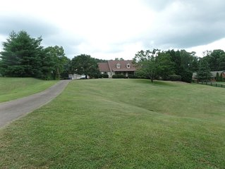 North Atlanta Country Charm. Enjoy Peaceful Times with Family & Friends
