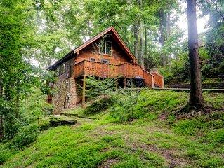 Comfortable and Serene- Gatlinburg Cabin-  Great Location!