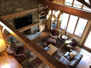 ON MOUNTAIN - 4 BED, 4 BATH RETREAT - WALK TO SLOPES!