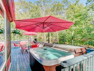 ***Pocono Bliss with Hot Tub, Sauna, Ski, Lakes, 1H30Min to NYC (sleeps 22ppl)