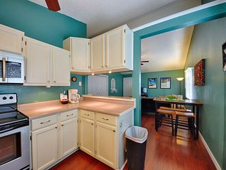 Cozily Decorated Two Bedroom, One Bath, 2nd Floor Apartment, With Waterview.