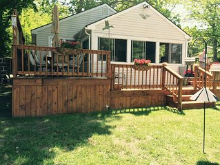 Alexandria Bay Waterfront cottage with private dock!