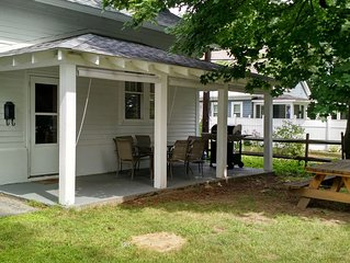 Comfortable Boardwalk Cottage Within Walking Distance of Lake, Beach and Village