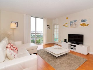 Beautiful Condo Ocean Front In Hollywood !!!