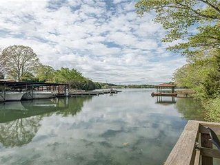 Amazingly Affordable 4BR/2BA Lake Norman Home with Fire Pit & Kayaks