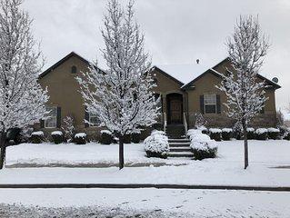 Welcome to beautiful neighborhood, nice & quiet. Close to UVU / BYU