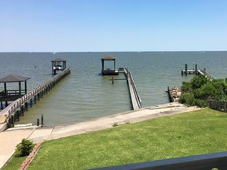 Waterfront home with beautiful views of Galveston Bay