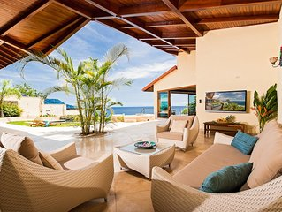 Luxury Sunset Villa with Direct Acces to the Flamingo Beach