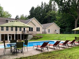 Private Pool/6 Bedrooms/Game Room/Fire Pit/Two Kitchens/Apartment/Secluded