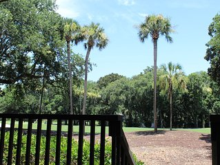 On Cougar Point - 3 minute walk to the beach - newly renovated