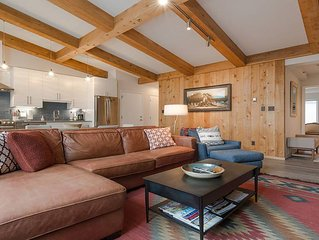 NEWLY RENOVATED!!-Mountainside Modern Penthouse Lodge-Lionshead Village Vail, Co