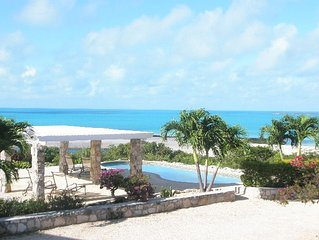 Sunshine House - Private Villa w/ Ocean Views