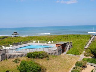 Oceanfront condo with amazing ocean views