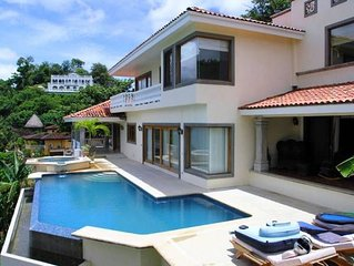 Beautiful Villa for 4-16 people, with beach access & wonderful ocean views!