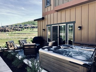 Brand New Luxury Park City- Private Hot Tub & gas fire pit, near SKI RESORTS