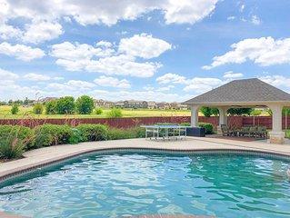 Sprawling 4600 sq ft Texas Pool House!