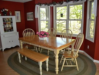 The Lilley Pad - Year-Round Vacation Home Near Tunnel Park and Bike Trails