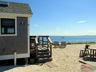 Welcome to an enchanting waterfront beach cottage!
