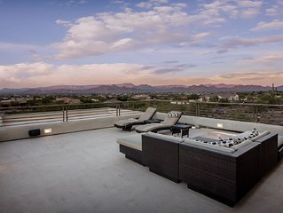 Entertainment House With Great Views and Casita