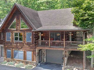 Moutain Top Log home with slope views