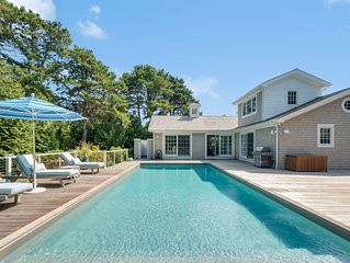 Gorgeous beach house in best location. Private pool and close to beach!
