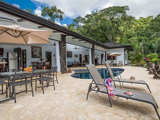 One of a kind luxury 3/3 in rainforest of Uvita with pool, mins from beaches
