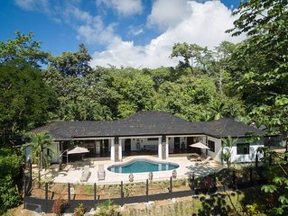 Luxury 3/3 pocket ocean view in rainforest of Uvita with pool, mins from beaches