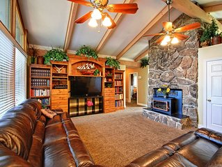 Large House! From $490/nt! Sleeps up to 35! Views! 5,200 SF, Hot Tub Spa!