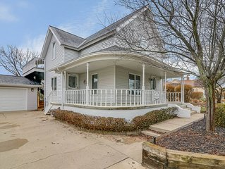 Beautiful Apartment steps to South Haven North beach