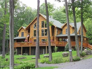 Luxury Lakefront Custom Log Home. Perfect for Ski Trips & Getaways!