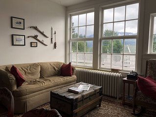 views! Location! Historic 2BR/1BA loft with Views-Downtown Telegraph House