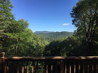 Gorgeous Year Round Views, Privacy,  Luxury Fire Pit, Sleeps 10+