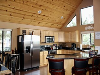 Serenity in the Pines - Stunning Views and All The Amenities One Can Imagine!