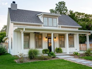 Downtown Estate - Walk to Magnolia Silos, Baylor, and Downtown!