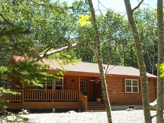 New Rustic Cabin minutes from downtown Bar Harbor and Acadia Nat'l Park