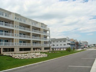 Beach front 4BR/3BA two level penthouse