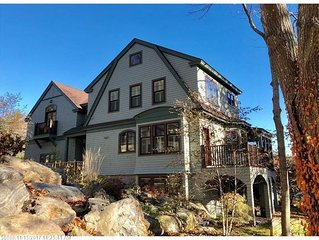 Immaculate 5 Bedroom with walking distance to Ogunquit Center and Main Beach